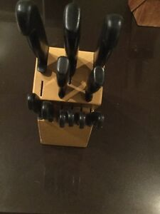 Knife block with 11 knives Oakville / Halton Region Toronto (GTA) image 2