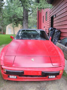 1987 Porsche 944 Coupe (2 door)