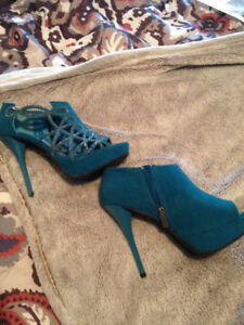 Sexy and Sophisticated Heels - BRAND NEW