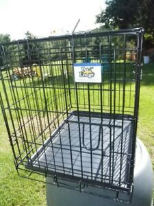 "Pet Crate L 24"" x W 18"" x H 21"" one door very good condition"