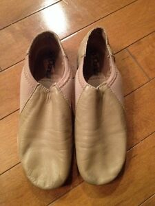 Nude / tan jazz shoes size 13.5 (child)