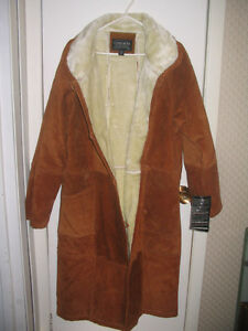 New, 3/4 length, fur lined swede coat Cornwall Ontario image 3