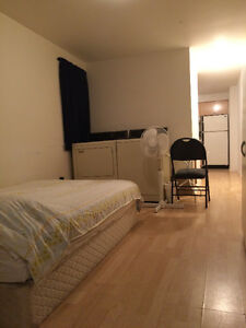 21/2 FOR RENT, NEAR ROSEMONT COLLEGE, LE BOULEVARD MALL