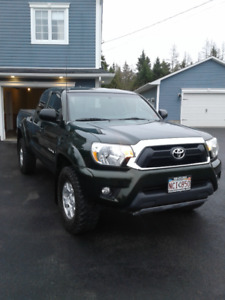 2012 TOYOTA TACOMA TRD, IMMACULATE CONDITION, LOW KM'S.