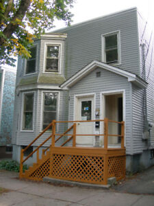 4 Bedroom Apartment on Lawrence available Sept 1st.