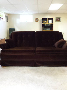 Pull out couch/ double bed