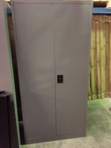 Metal Storage Cabinets, lockable - NEW
