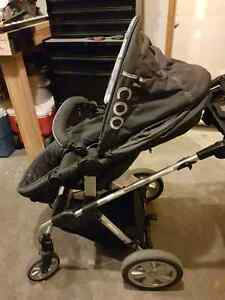 Beautiful I'coo dark grey and black stroller with bassinet  Cambridge Kitchener Area image 2