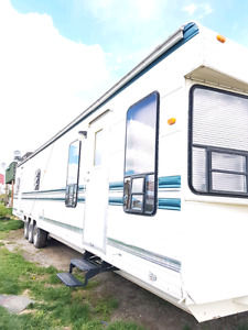 Vacation aire park model trailer 39 feet