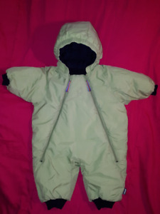 Mountain Equipment Co-Op Baby Snowsuit Size 6mts Like New