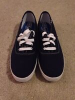 SELLING BRAND NEW BLUE KEDS