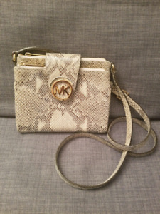Authetic Michael Kors bag