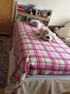 Large bed! ( excellent condition )