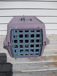 Animal crate 21 inches long x 12 w x 11 inches high $12