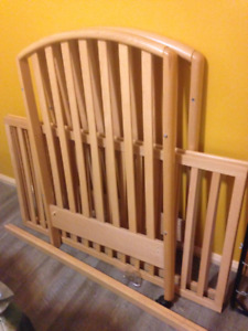 Crib-from pet free, smoke free home