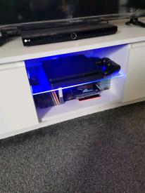 White TV unit like new