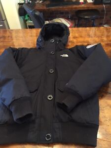 North face black women's down jacket size s excellent condition  Kitchener / Waterloo Kitchener Area image 3