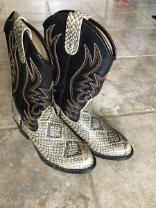 Boy's Simulated Snake Skin Cowboy Boots Size 1 $15