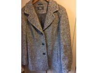 Women's winter coat, size 18 - EXCELLENT CONDITION