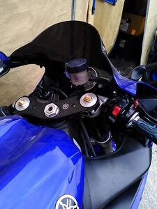 2 YAMAHA R1 2005 ALMOST COMPLETE WILL PART IT OUT 5000MI Windsor Region Ontario image 2