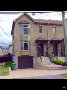 ***AVAILABLE JULY 1ST *** Townhouse in Saint-Pierre Neighborhood
