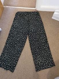Maternity pants size 16