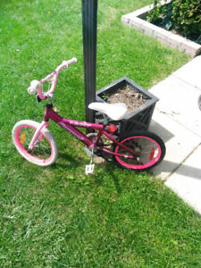 DECENT CONDITION KIDS BIKE. 15INCH TIRES