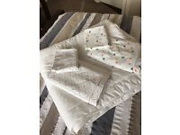 Toddler quilt and 2 sets of duvet covers/pillowcases