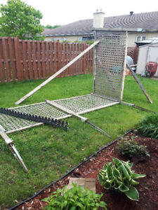 Fence - Stand alone lattice fence with metal ground stakes