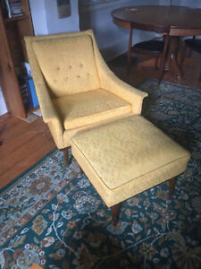 Vintage Yellow Peppler-Selig Chair with matching hassic