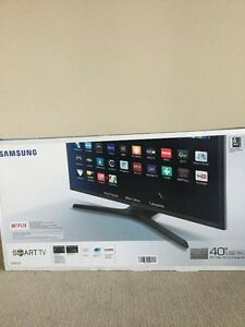 "Brand new in box Samsung 40"" LED Smart TV - Series 5"