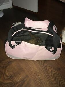Pink carrier crate for small dog  Kawartha Lakes Peterborough Area image 1