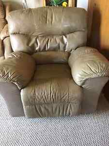 Recliner for sale London Ontario image 1