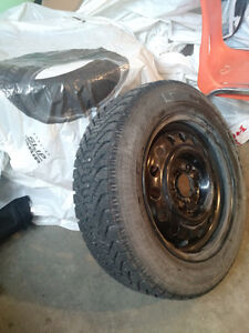 185 65R15 Goodyear tires almost new with rims