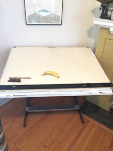 Adjustabe drafting table with parallel ruler Great working order
