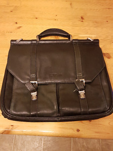 Kenneth Cole REACTION Series Leather Briefcase