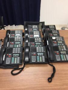 Lot de 13 téléphones pour entreprise