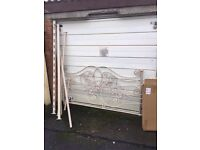 CREAM SCROLL METAL KING SIZE BED FRAME SHABBY CHIC ** FREE DELIVERY AVAILABLE **