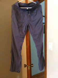 Lululemon size 8 Studio Pants reg unlined
