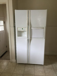 "36"" GE refrigerator with ice maker"