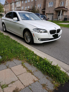 2011 bmw 535xi Fully Loaded Nav. Certified