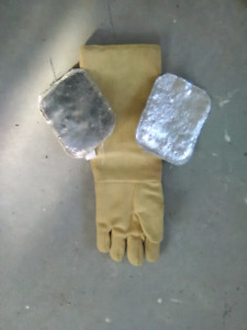 Welding glove and pads