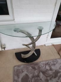 Half moon side glass table
