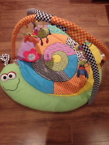 Activity mat for babies