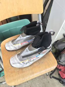 Salomon Cross Country Ski Boots Size 8 Women