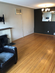 Upper level 2bedroom house for rent $1,950