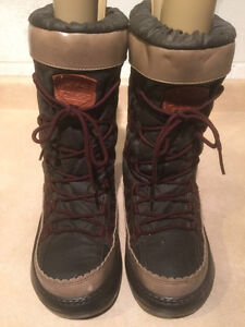 Women's Aldo Si Esta Warm Winter Boots Size 9.5 London Ontario image 2