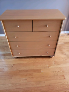 DRESSER SOLID WOOD