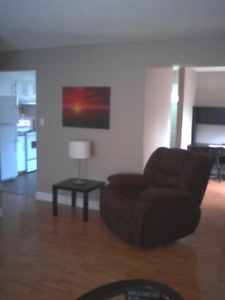 Fort Saskatchewan Fully Furnished & Equipped 3 Bedroom-Free Rent
