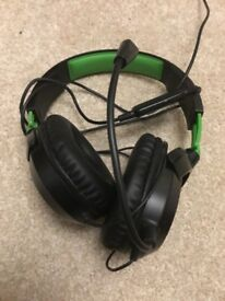 Xbox One Headset with 3.5mm head jack